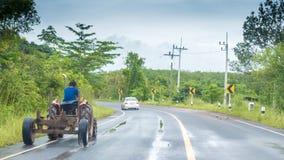 Ciągnik na autostradzie w Tajlandia zdjęcie royalty free