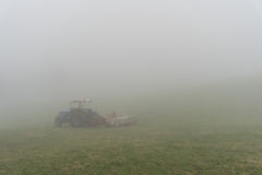 Ciągnik Z mgłą Obraz Stock