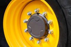 Ciągnikowy koło i opona zdjęcia royalty free