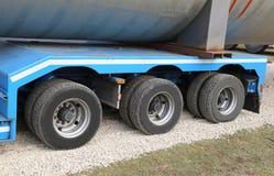 Ciężarówka dla transportu ciężcy towary z dwa parami koła Obraz Stock