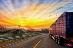 Ciężarówka na drodze obrazy stock