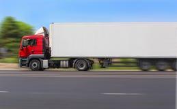 Ciężarówka odtransportowywa zafrachtowania obrazy royalty free