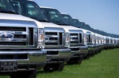 Ciężarówki przy RV zakładem montażowym Zdjęcia Royalty Free