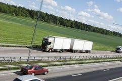 ciężarówki white obszarów wiejskich Obraz Royalty Free