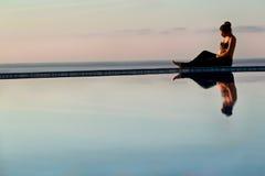 Ciężarny przy wschód słońca zdjęcie stock