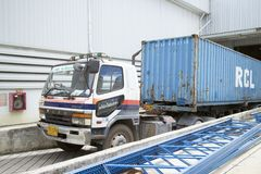 Ciężarowy engin w fabryce Zdjęcie Stock