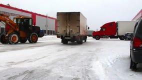 Ciężarowy jeżdżenie na magazynie zbiory