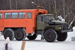 Ciężarowy Ural 4320 przy międzymiastową autostradą podczas obraz stock
