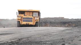 Ciężka ładowna usyp ciężarówka zbiory wideo