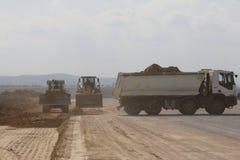 Ciężki budowy wyposażenie pracuje na pas startowy budowie Zdjęcia Royalty Free