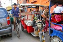 Ciężki drogowy ruch drogowy w Taj Ganj sąsiedztwie Agra, Uttar Prade Obrazy Stock