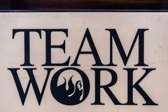 """Ciężki klingerytu talerz z słowa """"team work† Zdjęcia Royalty Free"""