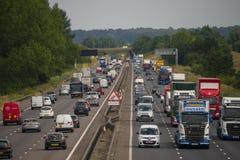 Ciężki ruch drogowy na M1 autostradzie fotografia royalty free