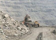 Ciężkie ciężarówki otwarte kopalnie Zdjęcia Royalty Free