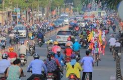Ciężkiego ruchu drogowego pejzażu miejskiego Ho Chi Minh uliczny miasto Wietnam Fotografia Royalty Free