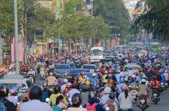 Ciężkiego ruchu drogowego pejzażu miejskiego Ho Chi Minh uliczny miasto Wietnam Obraz Royalty Free