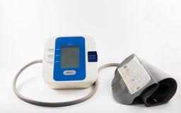 Ciśnienie Krwi monitor odizolowywający obrazek z białym tłem Zdjęcia Stock