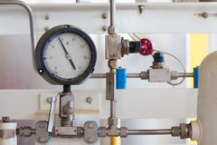 Ciśnieniowy wymiernik dla pomiarowego naciska w systemu, Ropa i gaz proces używał ciśnieniowego wymiernika monitorować ciśnieniow Zdjęcia Royalty Free