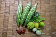 cięcie pomidory trzy dwa warzywa Obrazy Royalty Free