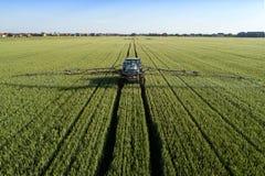 Ciągnikowi tryskaczowi pestycydy Zdjęcie Royalty Free