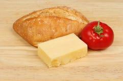 Ciabatta乳酪和蕃茄 免版税库存图片
