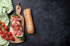 Ciabatta smörgås arkivbilder