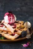 Cialde e gelato Immagine Stock