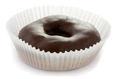 Ciambella lustrata del cioccolato Immagini Stock