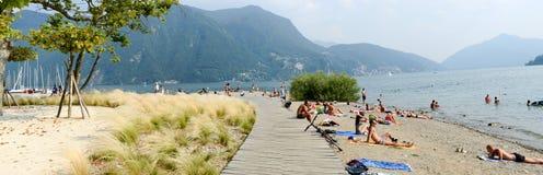 Ciani植物的公园海滩在瑞士的卢加诺 库存照片