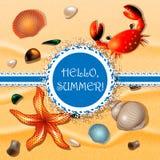 Ciao, estate Coperture, granchio e stelle marine sul fondo della sabbia illustrazione di stock
