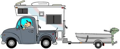 Ciężarówka i obozowicz ciągnie małą łódkę Obrazy Royalty Free