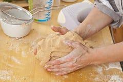 ciasta gospodyni domowej target2973_0_ Obraz Royalty Free
