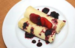 ciasta tła płytkę truskawkowy służyć biały Zdjęcia Royalty Free