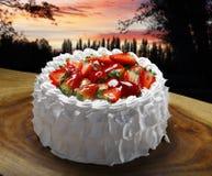 ciasta tła płytkę truskawkowy służyć biały Obraz Royalty Free