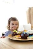 ciasteczka dziewczyny domu mały target986_0_ Fotografia Stock