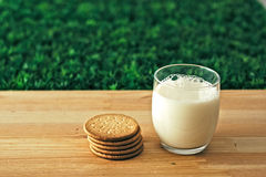 ciasteczka mleka Zdjęcie Royalty Free