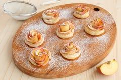 Ciastek Apple Róże Zdjęcie Royalty Free