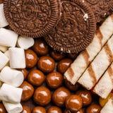 Ciastek, marshmallow, dragee i opłatka tubules, fotografia stock