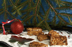 Ciastka, choinki piłka i nowy rok dekoracja Obrazy Stock