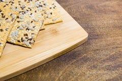 Ciastka robić od owsów płatków z ziarnami sezam, len i słonecznikowi ziarna, Bardzo zdrowy i smakowity produkt dla ludzi które są Obraz Stock