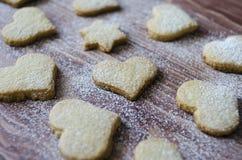 Ciastka w formie gwiazdy i serca Zdjęcia Stock