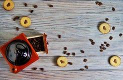 Ciastka w formie serc, na ciastko listów miłości pojęcie prezent dla walentynka dnia na Luty 14 fotografia stock