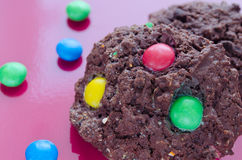 Ciastka z czekoladowymi candys Zdjęcia Royalty Free