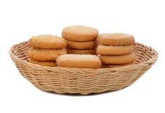 Ciastko w koszu odizolowywającym na białym tle Zdjęcie Stock