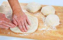 ciasto robi pizzy Fotografia Royalty Free