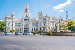 Cibeles springbrunn och Cybele Palace, Madrid, Spanien Arkivfoto