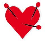 Cible de coeur avec des dards sur le fond blanc illustration libre de droits