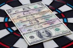 Cible de détail avec des dollars US Photographie stock libre de droits