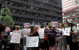 Cibles Chuck Schumer de rassemblement pour s'opposer à l'affaire de l'Iran d'Obama Photographie stock