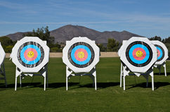 Cibles de pratique au champ de tir à l'arc Image stock